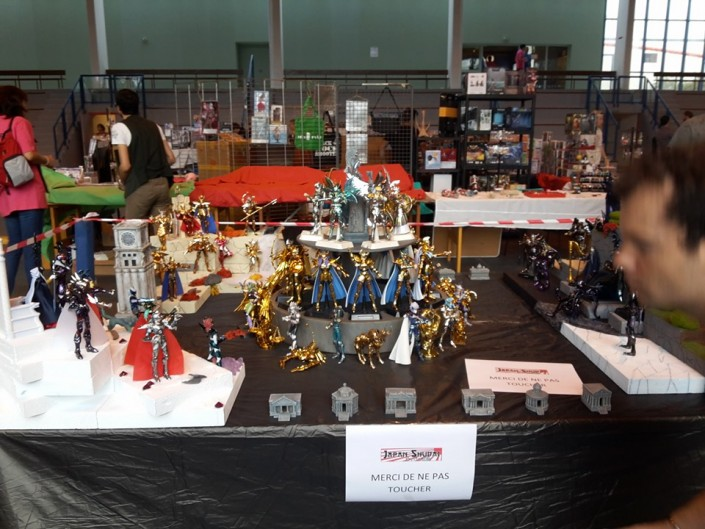 Stand Saint Seiya (Chevaliers du Zodiaque) - Another Convention